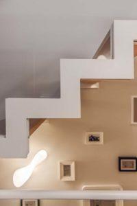 schody i ścianka szklana