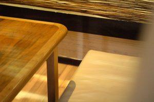zbliżenie na drewniane elementy
